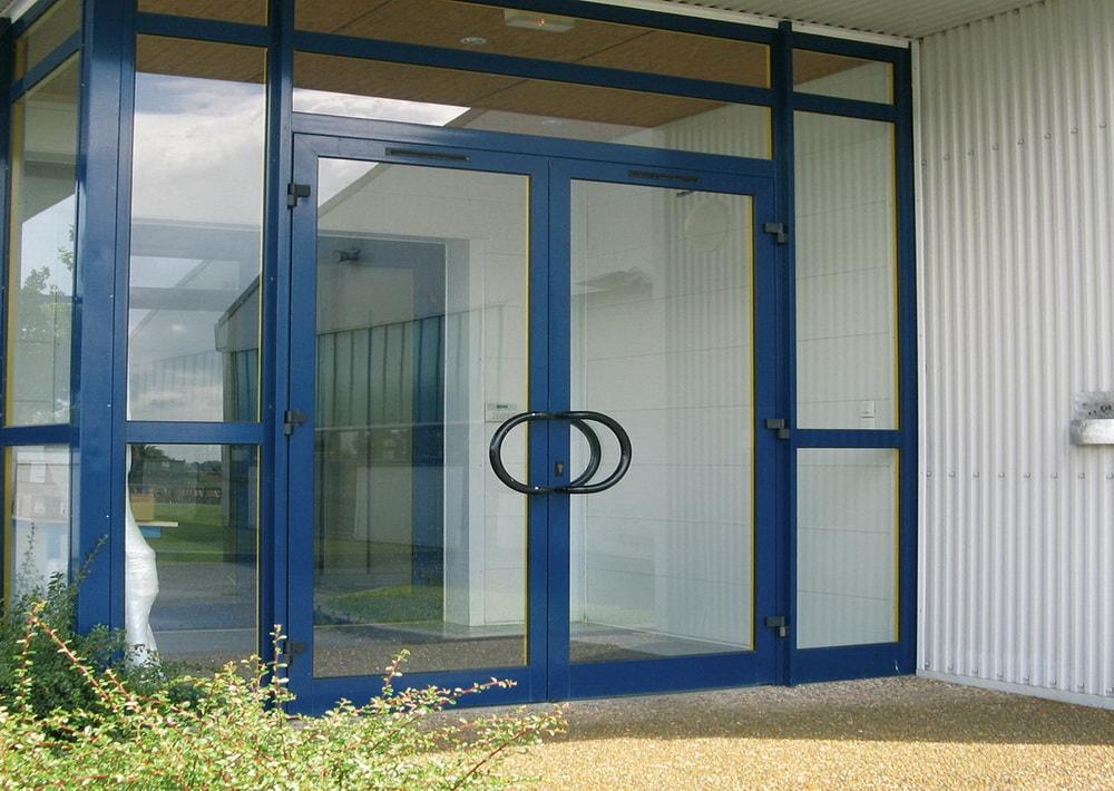 10 6 - Купить алюминиевые двери и окна